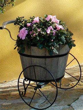 Arredo Giardino Fioriere Legno.Fioriera In Legno Per Il Giardino Arredamento Giardini
