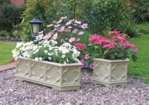 vaso in pietra per il giardino